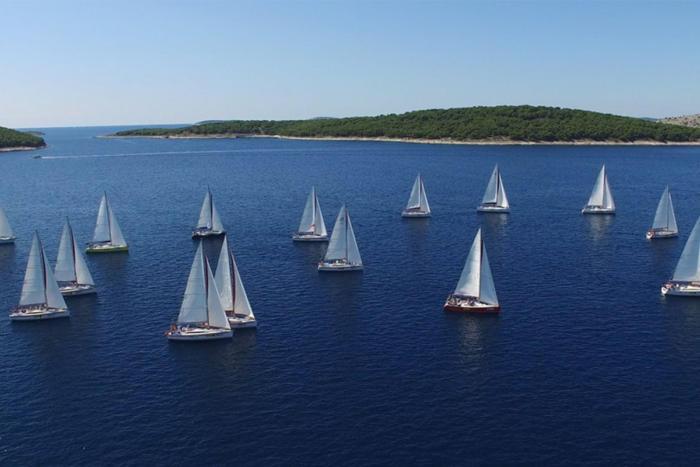 sailboats-100754322-large