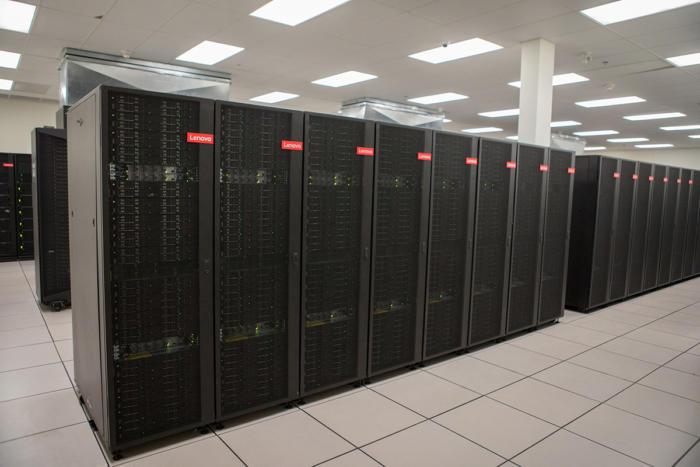 lenovo-data-center-100787879-large